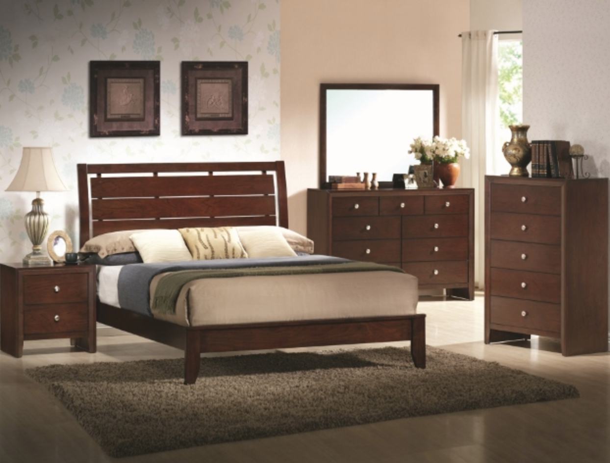 b4700 Low Profile Cherry Bedroom Set