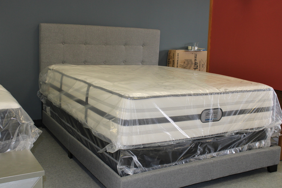 Beautyrest Platinum Hybrid Queen Mattress