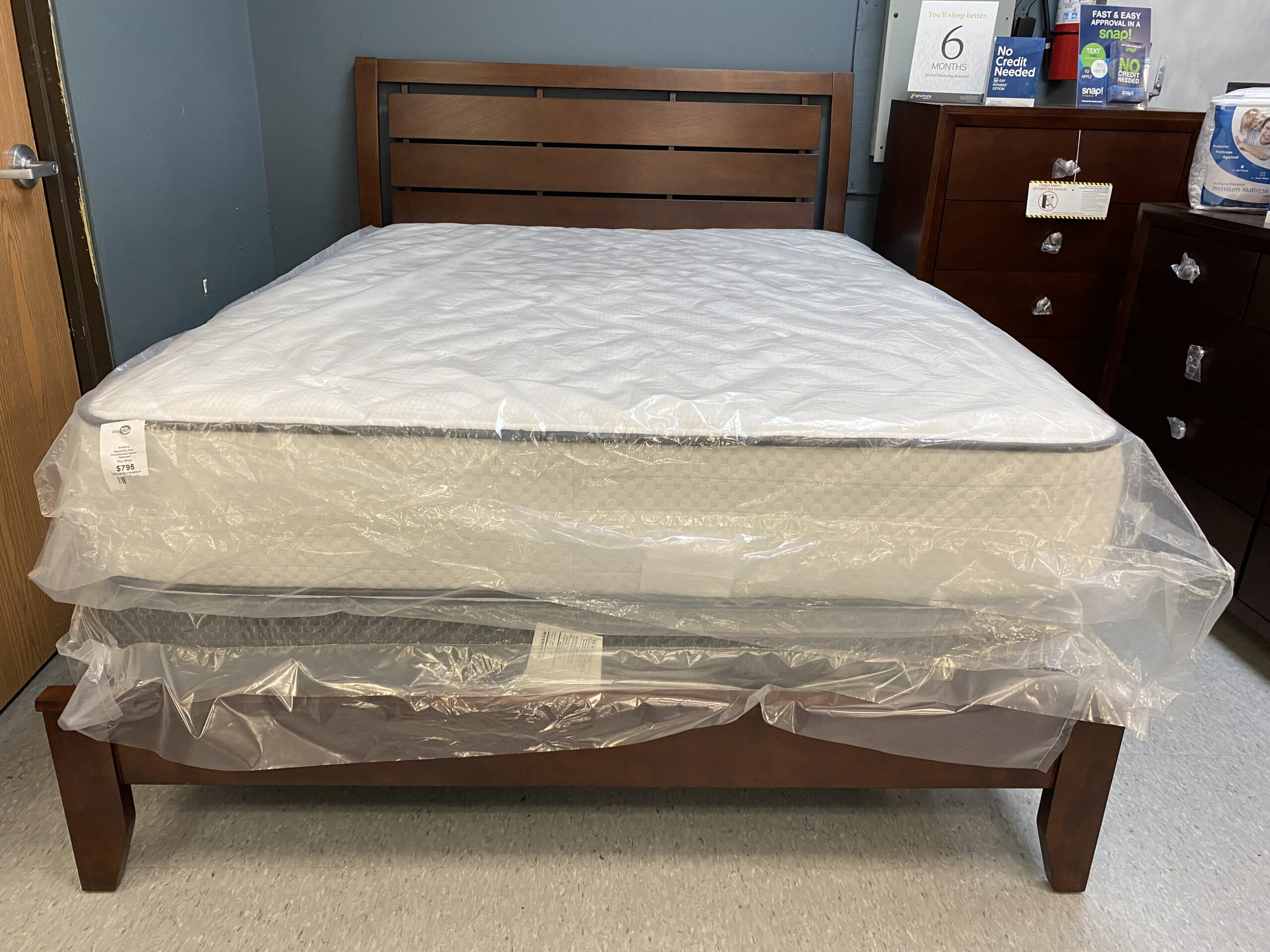 B-4700 King Bed