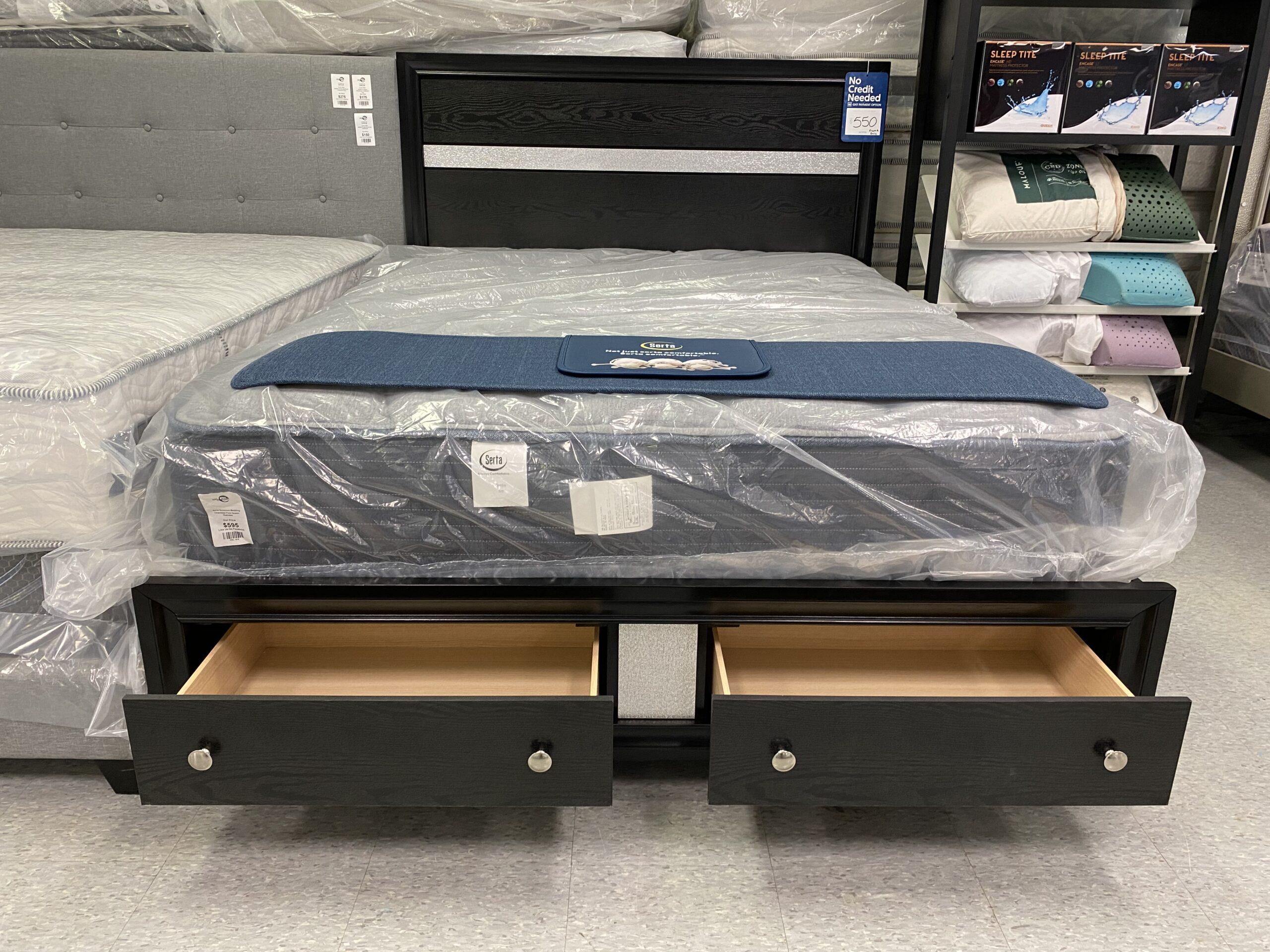 B-4670 Platform Bed